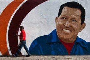 VENEZUELA: CHAVEZ COME IL 'CHE', TRA MITO E SOUVENIR